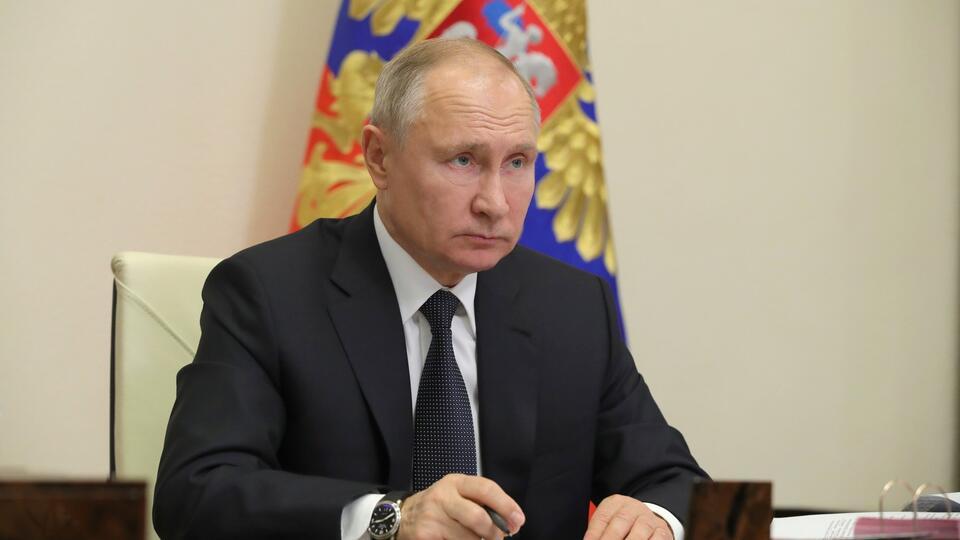 """Путин назвал """"недобросовестной конкуренцией"""" спекуляции вокруг СП-2"""