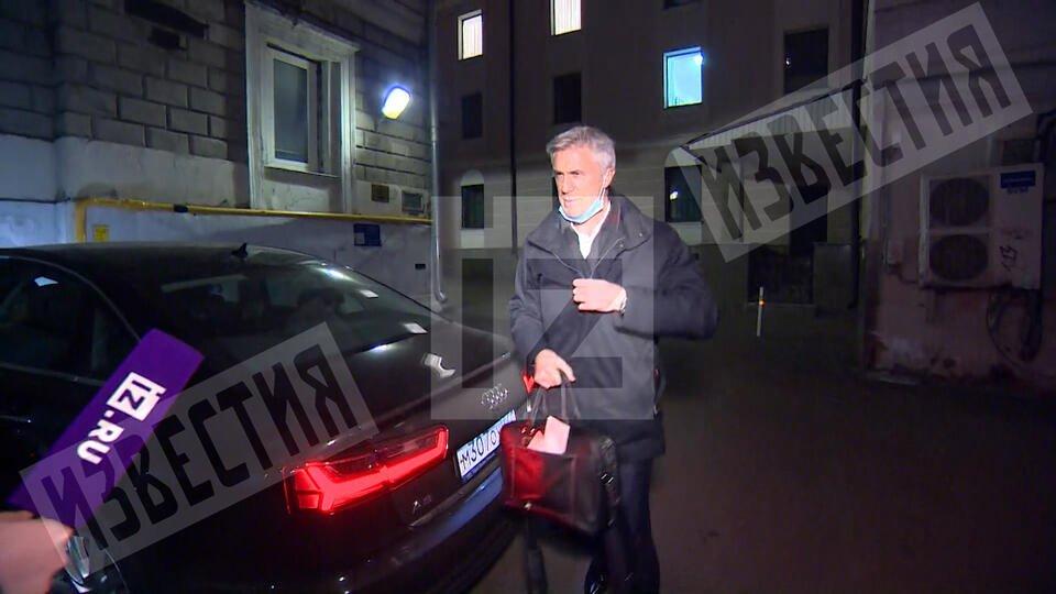 Видео первой прогулки Калви после освобождения из-под домашнего ареста