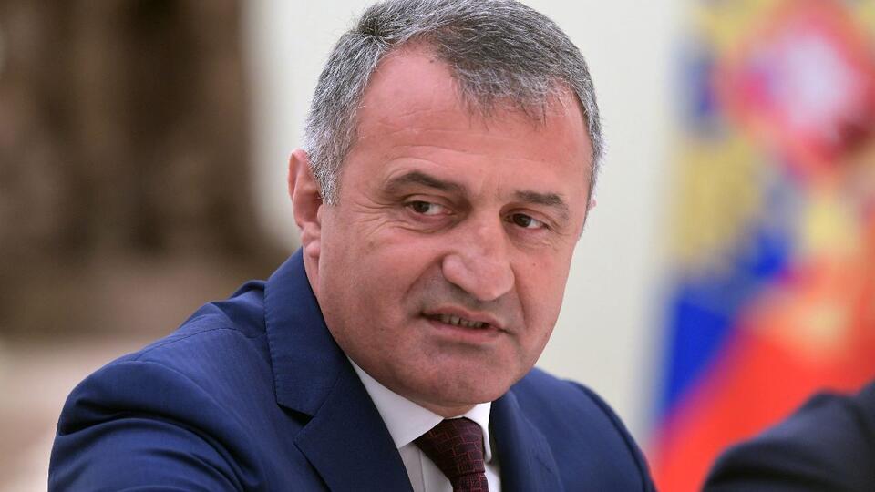 У президента Южной Осетии выявлен коронавирус