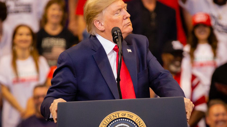 """Трамп назвал своего экс-советника Болтона """"предателем"""""""
