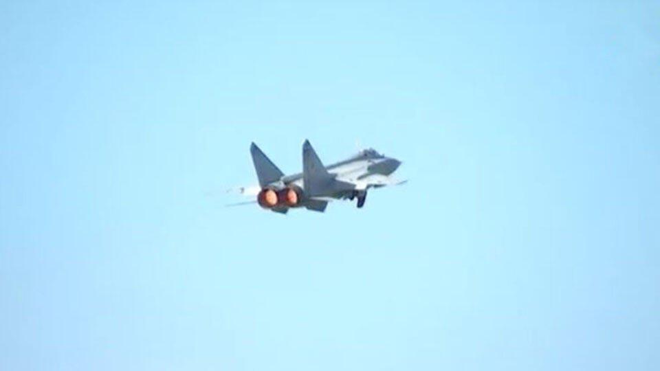 "МиГ-31 снова ""перехватил"" норвежский самолет над Баренцевым морем"