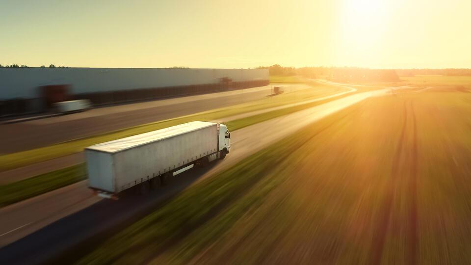 Беспилотные грузовики появятся в России к 2024 году