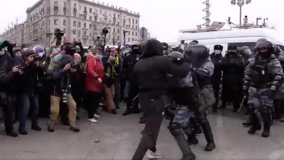 Устроившим драку с ОМОН на акции 23 января не удалось скрыться