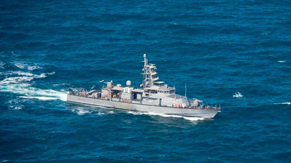 Пограничники выдворили британский эсминец из российских вод у Крыма