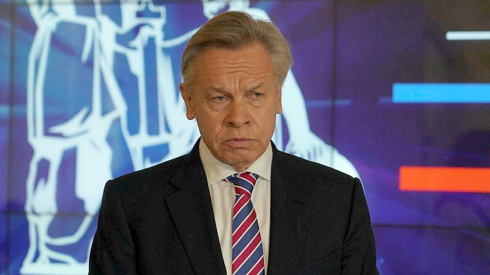 Пушков сравнил выступление Бузовой на сцене МХАТа с капустником в ЖЭКе