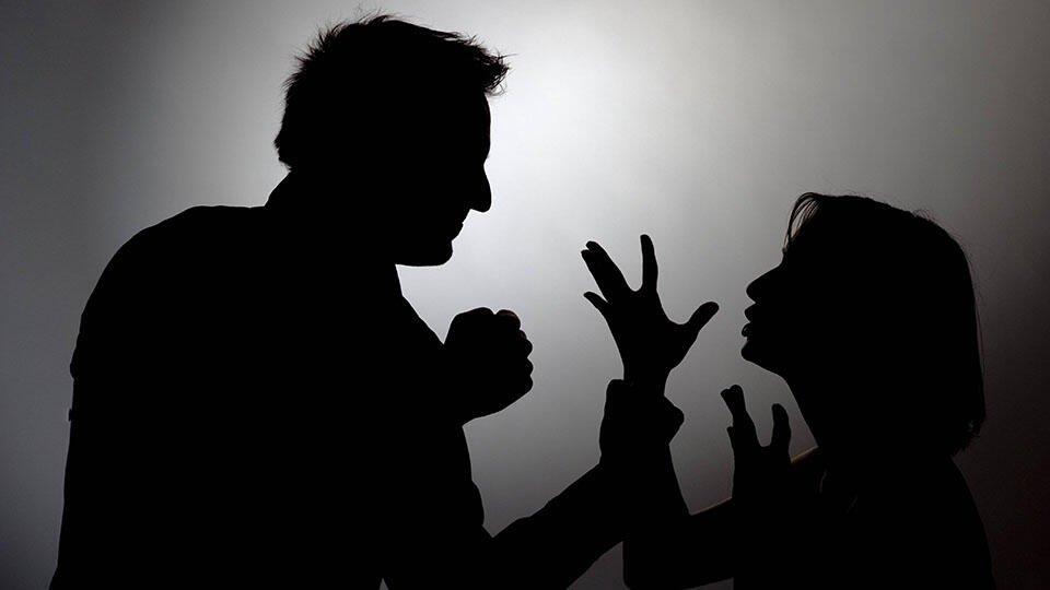 """В Тюмени юноша отомстил обидевшей его """"бывшей"""" побоями и грабежом"""