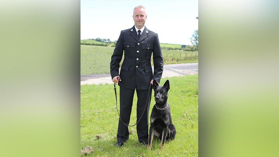 Полицейский пес в первый рабочий день помог спасти женщину с ребенком