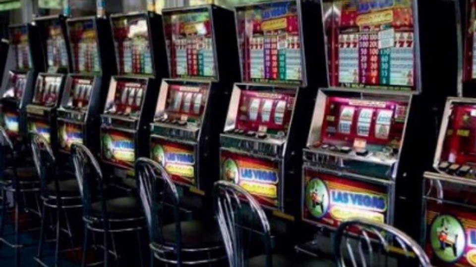 Адреса подпольных казино санкт-петербург как заработать деньги на онлайн покере