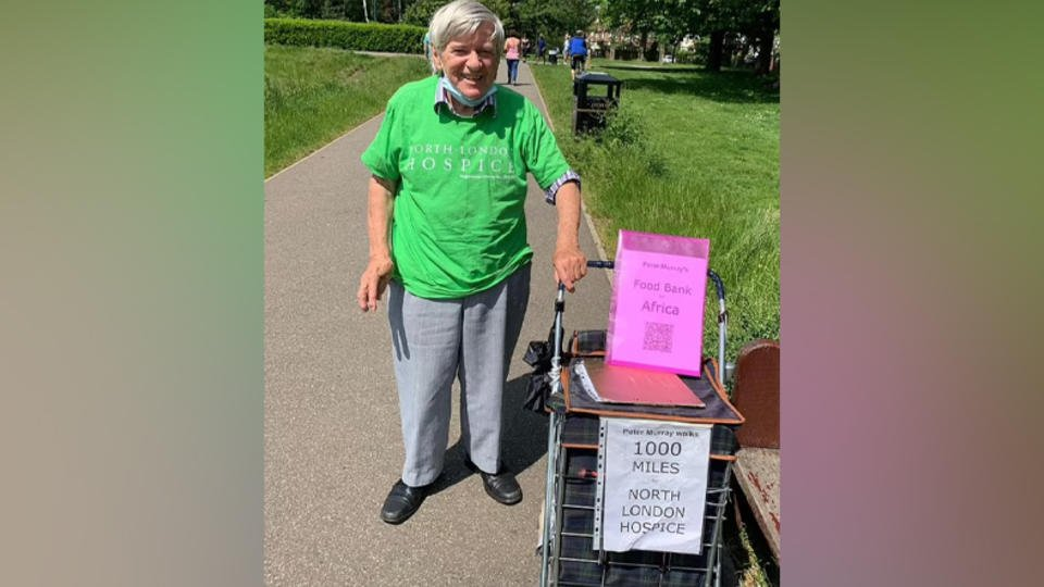 86-летний дедушка прошел более 1600 км, чтобы помочь сестрам и хоспису