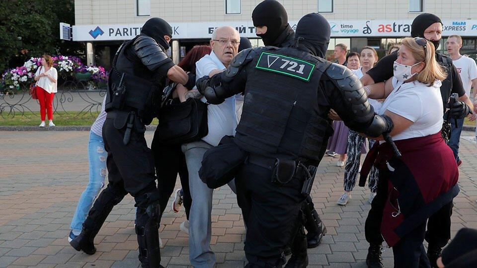 Задержанным во время протестов не хватило места в СИЗО Минска