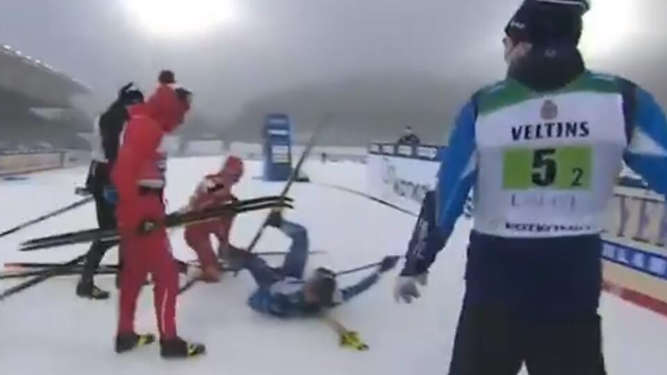 """Отец Большунова назвал """"наглым и грязным"""" поведение финского лыжника"""