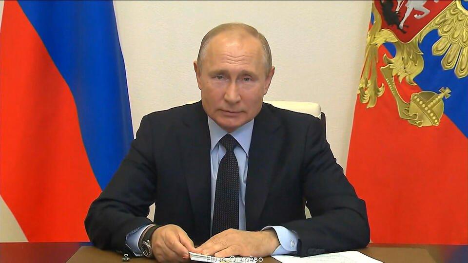 Герои: Путин выразил соболезнования семьям умерших из-за COVID медиков