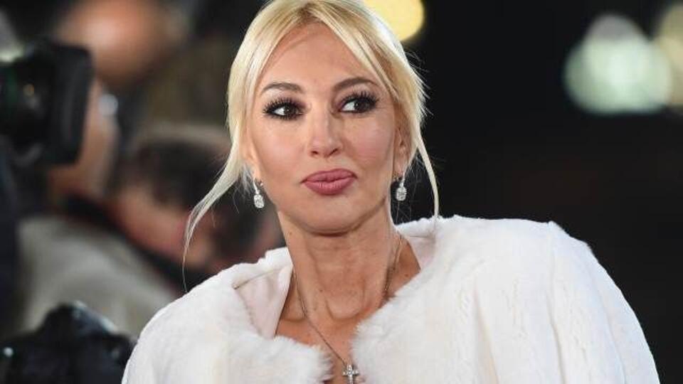 Кудрявцева показала фото разорвавшегося грудного импланта