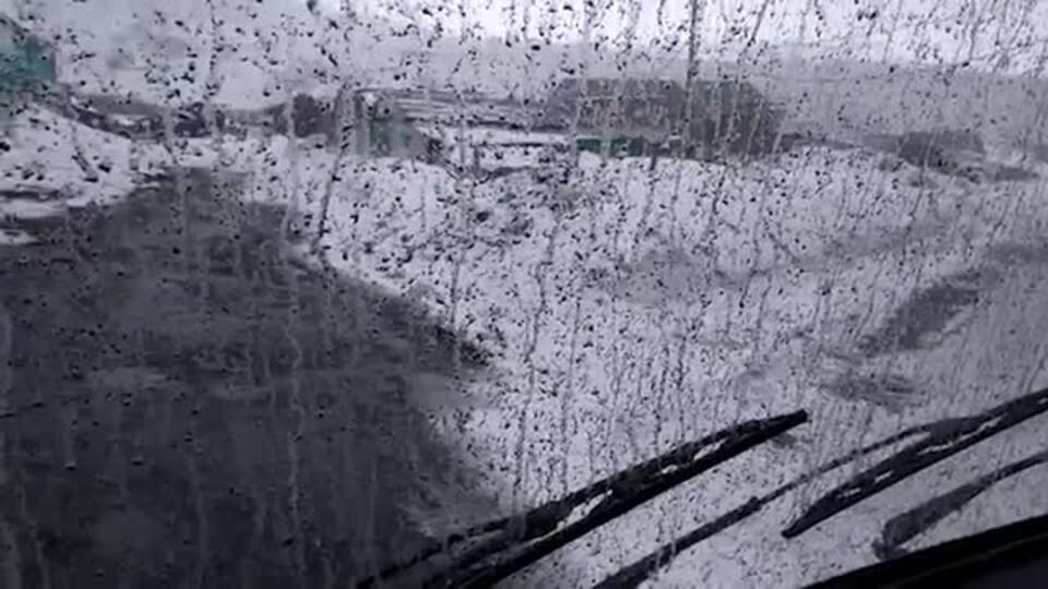 Видео: вулкан Эбеко засыпал пеплом Северо-Курильск