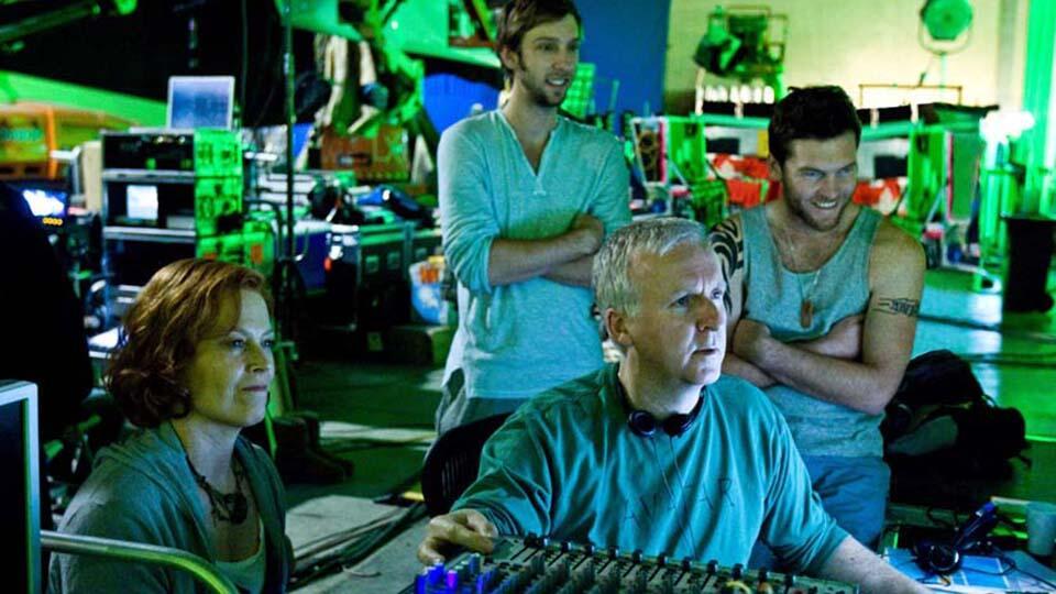 """Джеймс Кэмерон со съемочной группой возобновили съемки """"Аватара-2"""""""