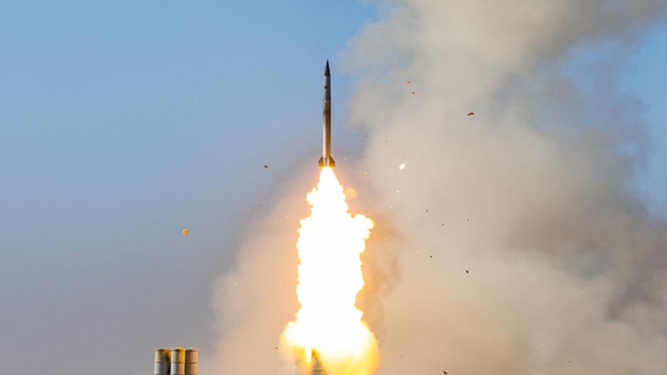 Премьер Японии: Пуск ракет КНДР угрожает миру