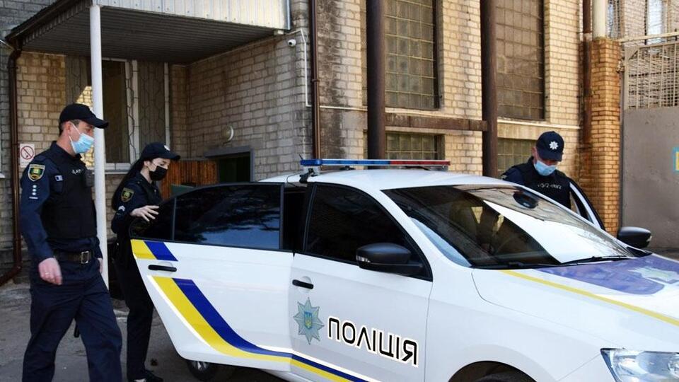 Украинец избил двух малолетних детей раскаленной кочергой