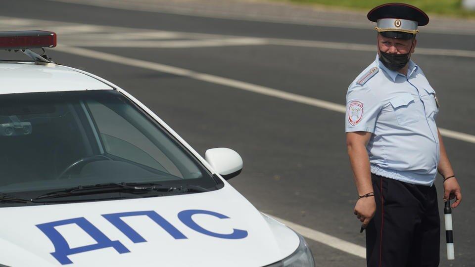 Автоюрист описал принцип работы нового штрафа за среднюю скорость
