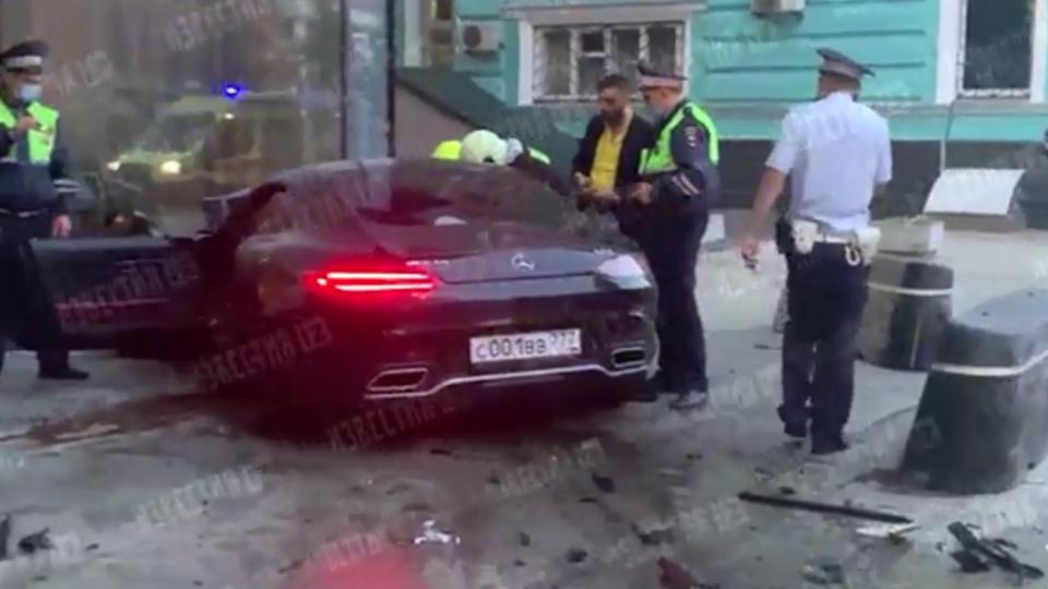 Виновник ДТП со спорткаром в центре Москвы впал в кому