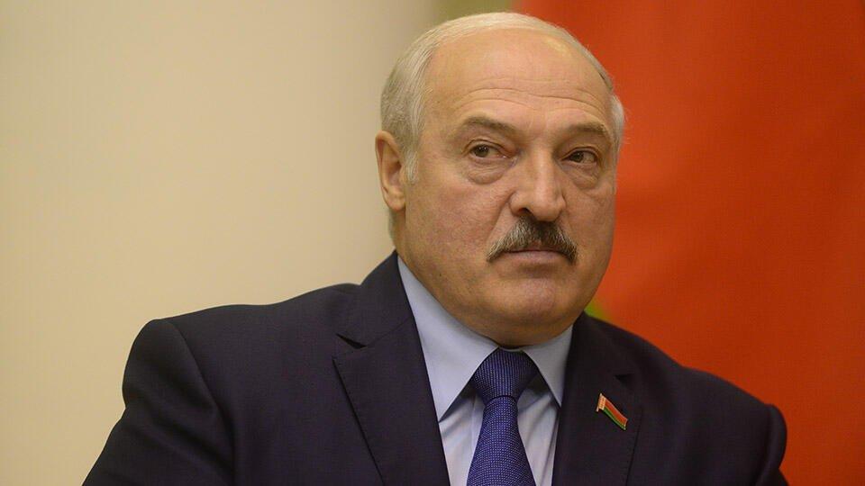 Лукашенко поклялся, что не передаст власть в Белоруссии преемнику