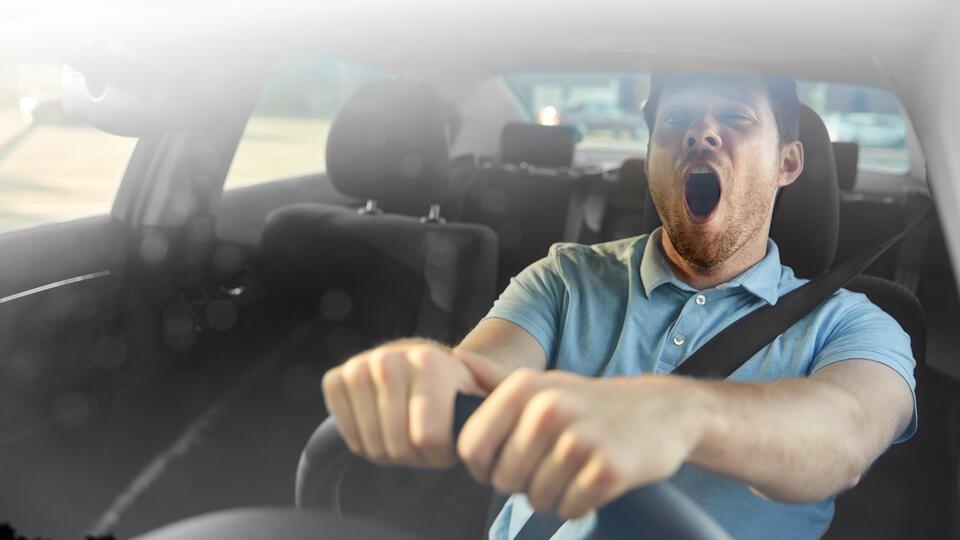 От семечек до модных гаджетов: что реально поможет не уснуть за рулем