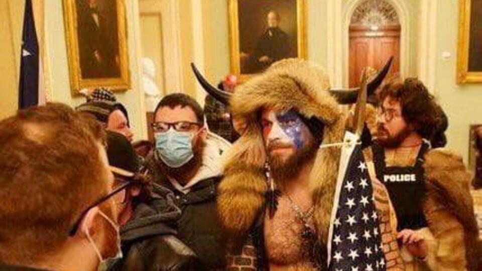 """В США задержали """"викинга"""", участвовавшего в штурме Капитолия"""