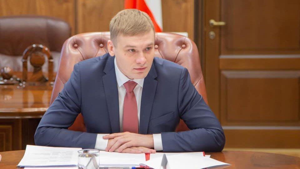 Прокуратура внесла представление Коновалову из-за ситуации с выплатами