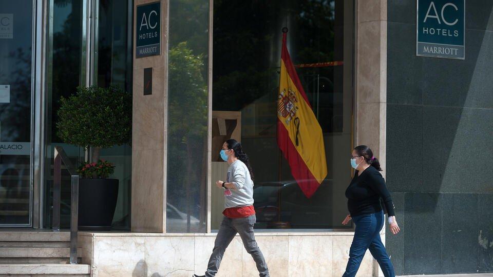 Испания разрешит въезд в страну туристам с июля