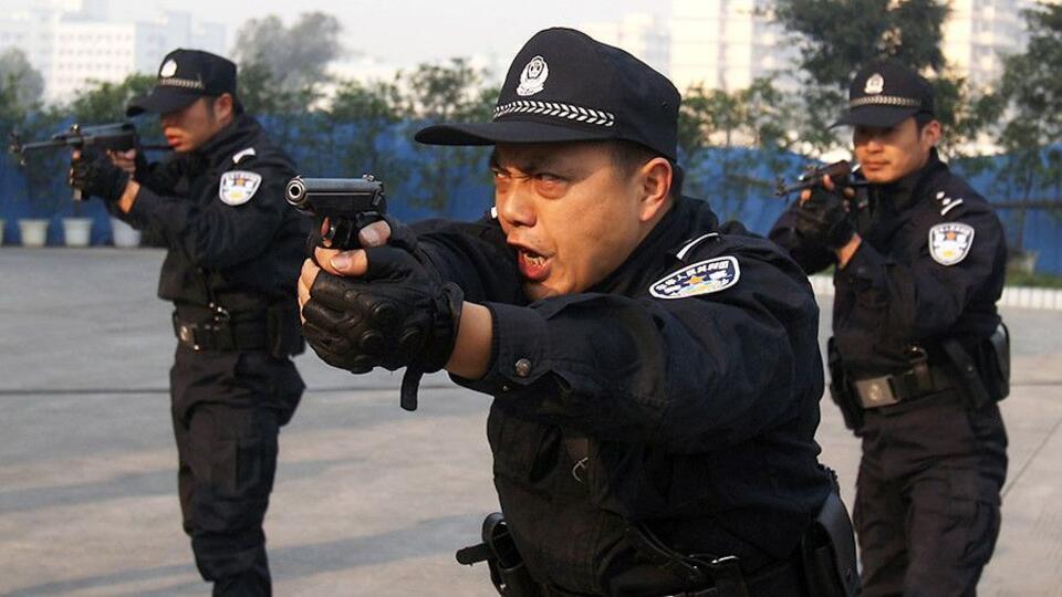 Компартия Китая наказала чиновников за расточительство