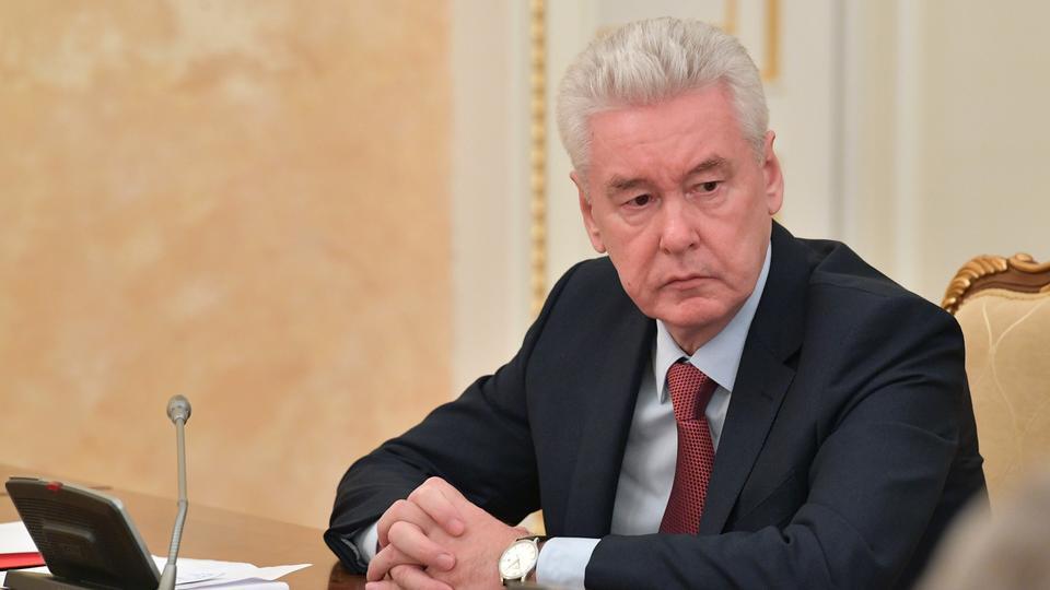 """Собянин: Отменять масочный режим и работу на """"удаленке"""" преждевременно"""