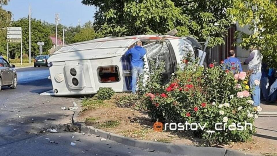 Скорая помощь попала в ДТП в Ростове