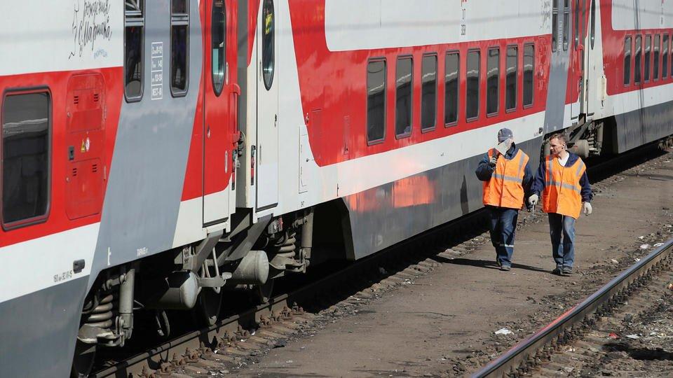 Просроченные продукты нашли в поезде, где ехали отравившиеся дети
