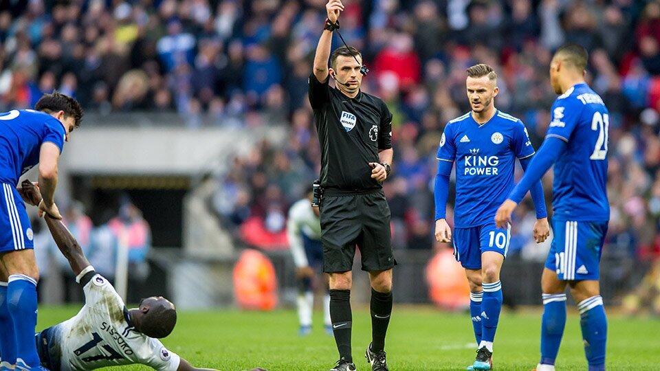 В Англии начнут удалять футболистов, кашляющих на соперников