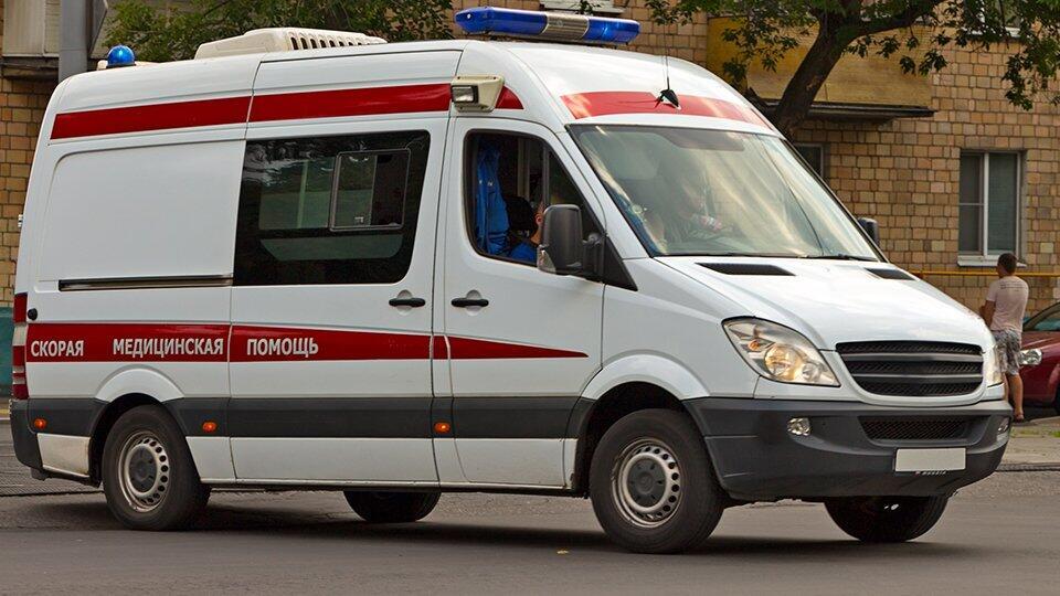 Четыре человека пострадали в ДТП со скорой в Ростовской области