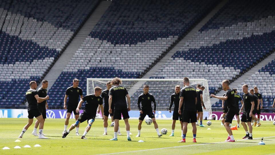 Еще одна сборная отказалась вставать на колено во время Евро