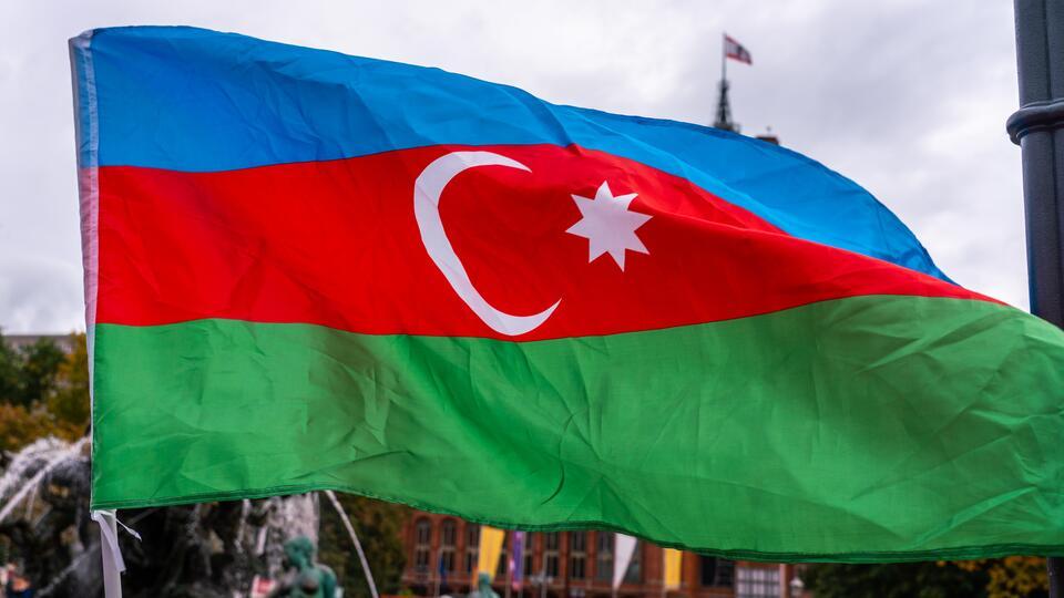 """В Баку резолюцию Сената Франции по Карабаху назвали """"клочком бумаги""""   В  мире   РЕН ТВ"""
