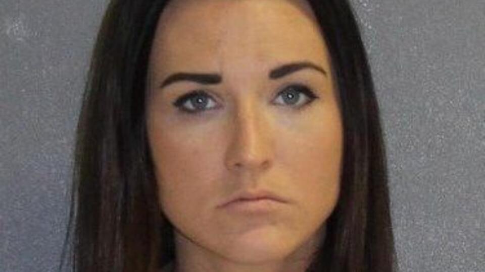 Учительница занималась сексом с 14-летним учеником, пока ее муж был на работе