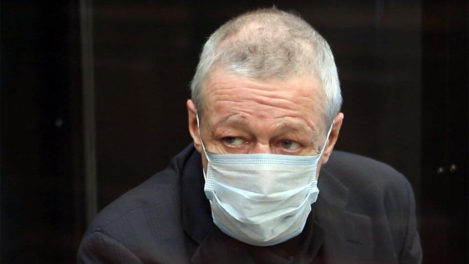 Ефремов заявил о раскаянии и попросил изменить приговор